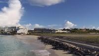 Plaża Maho, Port lotniczy Princess Juliana